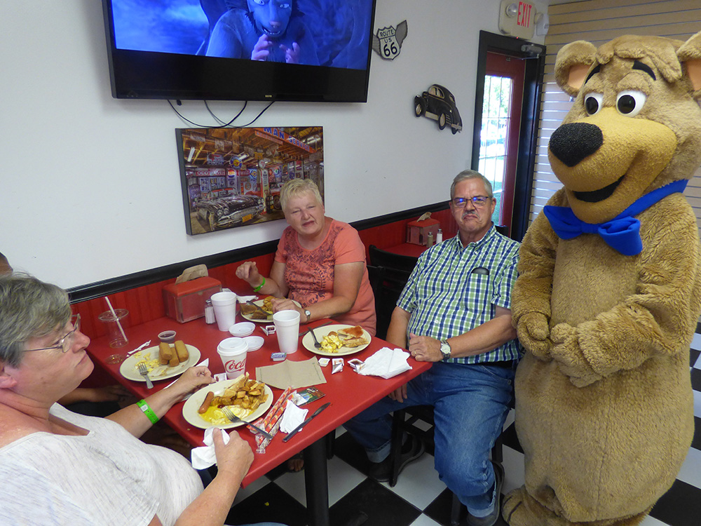 Cartoon Cafe Dining | Yogi Bear's Jellystone Park™ Camp-Resort | South Haven, MI