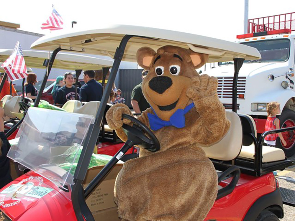 Boo Boo Driving Golf Cart