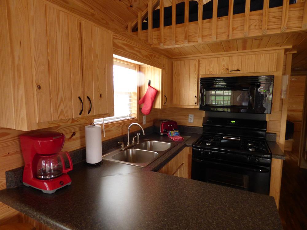 Lazy Bear Cottage | Yogi Bear's Jellystone Park™ Camp-Resort | South Haven, MI