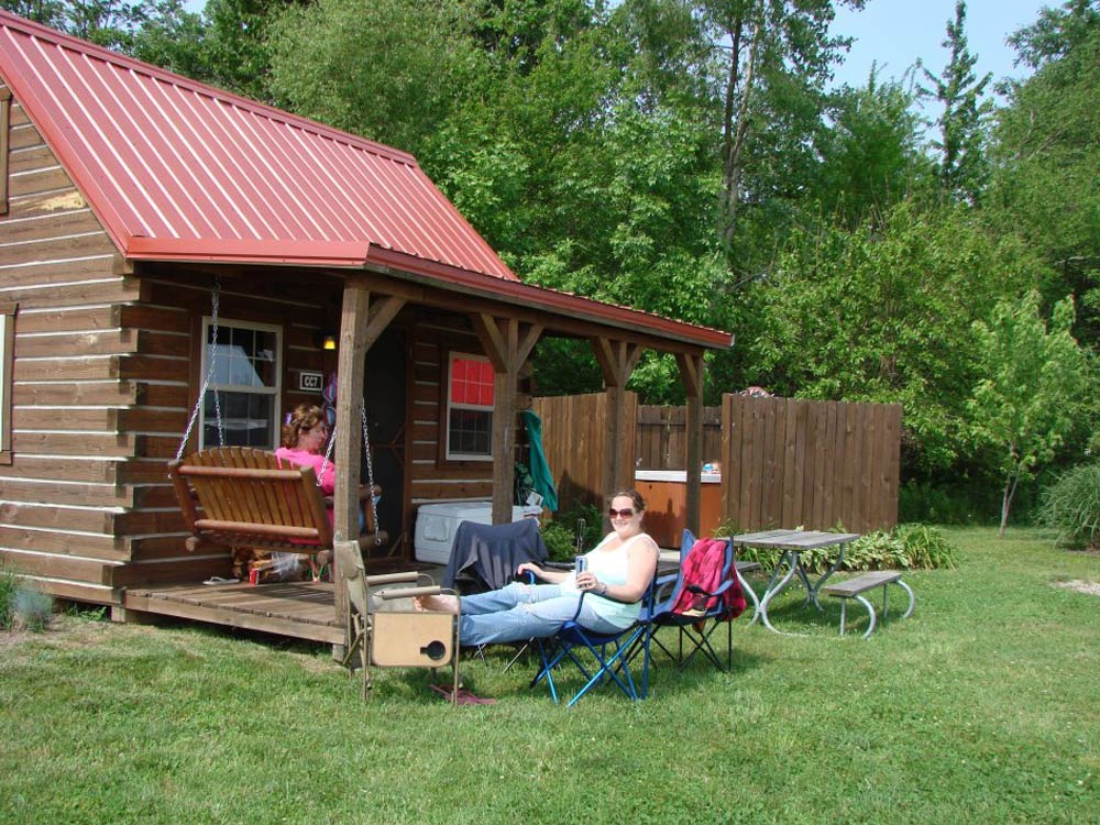 Regular Cabin with Loft and Hot Tub